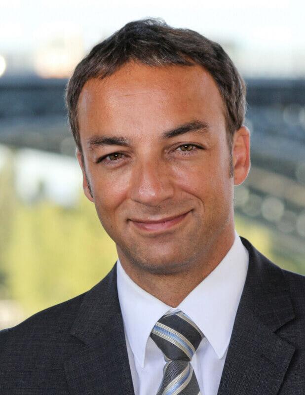 Sasan Hechmat (Inhaber)